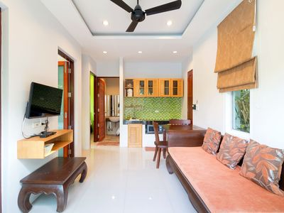 Photo for Modern 2 Bedroom & Pool, Quiet Area , close to super market