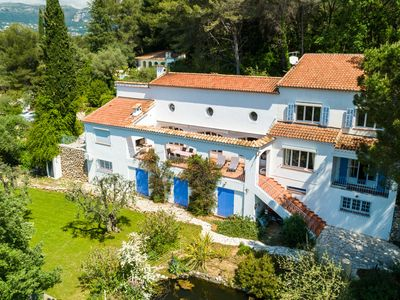 Photo for Villa between La Gaude and Cagnes-sur-Mer with beautiful garden and private pool