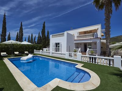 Photo for Fantastic house with private pool located in the surroundings of Ibiza