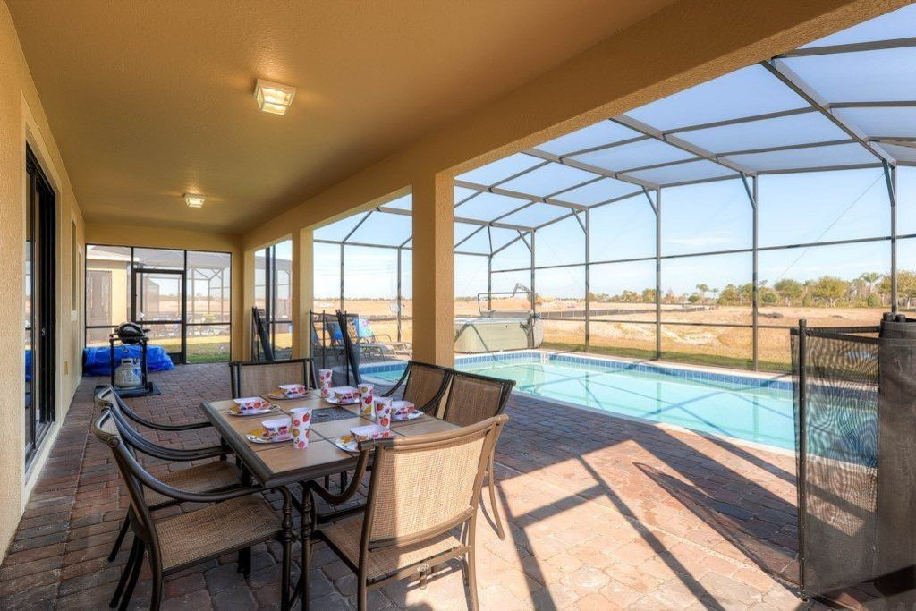 """""""Relax in Hot Tub while your kids play in Pool Providence 1732E"""" - Six Bedroom Villa, Sleeps 14"""