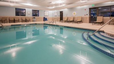 Photo for King Suite   Free Daily Breakfast. Pool, Hot Tub & Gym Access.
