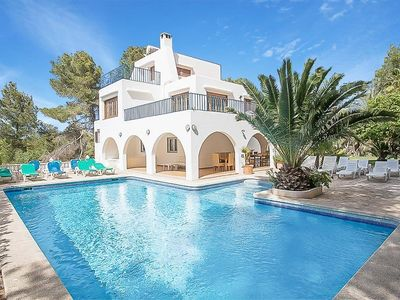 Photo for 9 bedroom Villa, sleeps 18 with Pool, FREE WiFi and Walk to Shops