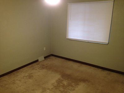 Photo for Perfect location for travellers, close to I-376, walking distance to shops
