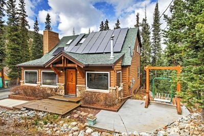 This beautiful mountain home is just minutes from downtown!