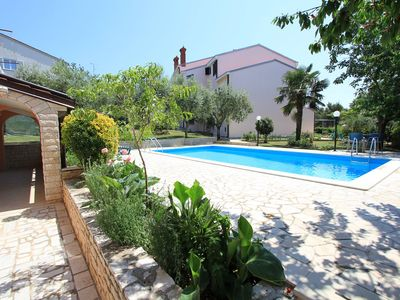 Photo for Apartment with large pool, air conditioning, WiFi
