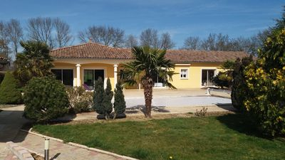 Photo for Apartment / villa with pool in the heart of Beaujolais