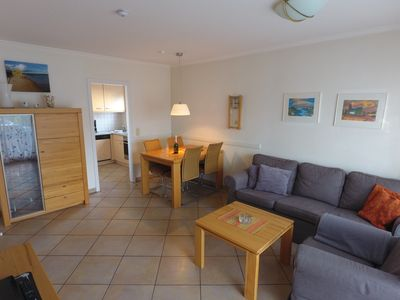 Photo for 3 room apartment - 300 meters to the beach, close to the center, with beach chair