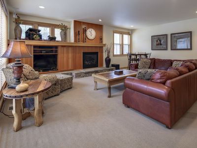 Photo for Luxury town home with SHARC Passes, Pet Friendly, private hot tub, and A/C