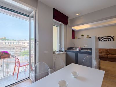 Photo for Apartment di Trastevere  in Roma: Trastevere, Lazio - 7 persons, 3 bedrooms