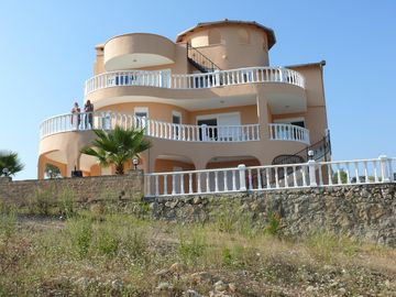 Large detached villa with private pool