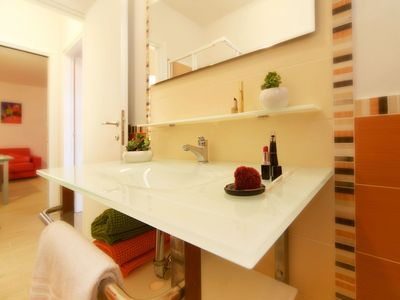 Photo for Beautiful apartment for 6 people with pool, WIFI, A/C, TV, balcony, pets allowed and parking