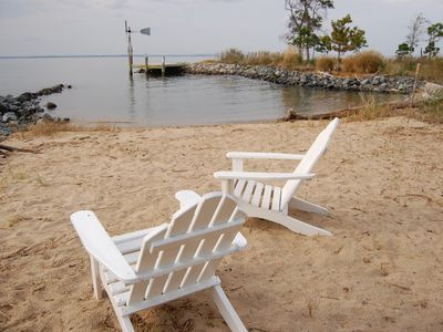 ADULT ONLY! Magnificent Waterfront Cottage on 5 Acres