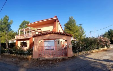 Photo for Comfortable villa, pool/private parking/fenced courtyard/large terraces/solarium