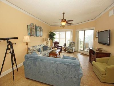 Photo for Fabulous ocean view from this top floor 1-bedroom Hilton Head villa.