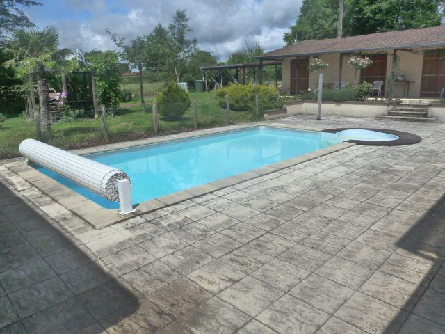 Maison Individuelle Avec Piscine Privative  Bourgogne