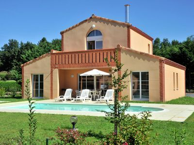 Photo for Villa 6/8, luxurious resort on Royal Green, next to golf course in the Pyrenees