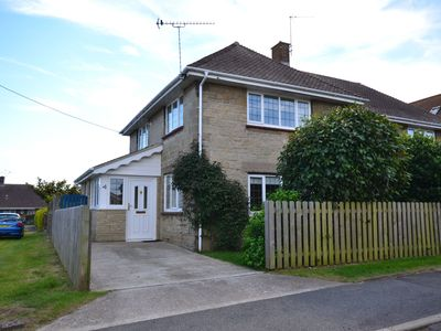 Photo for 4 Brooks Close -  a house that sleeps 6 guests  in 3 bedrooms