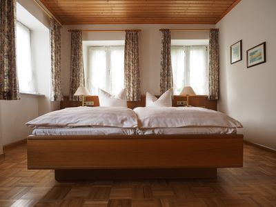 Photo for Sunny 2-room apartment with garden (2 pers.+ Dog) Schwarzwaldcard & ski pass for free