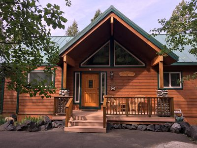 Photo for Romantic Mountain Home 5-10 miles from numerous lakes. Family reunion spot.