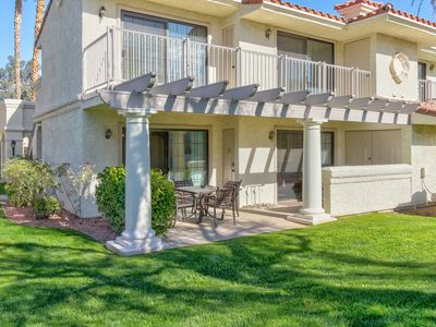 Photo for Convenient, dog-friendly condo with shared pool and hot tub - close to golf!