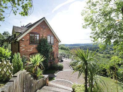 Photo for Hillview Cottage, KNIGHTWICK