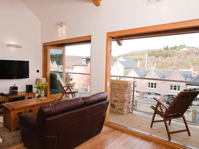Photo for QUAY LODGE, family friendly, with a garden in Dartmouth, Ref 995726