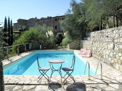 Photo for One bedroom Villa, sleeps 3 in Volpaia with Pool