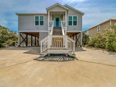 Photo for Beautifully-updated home near the beach w/ a shared pool & deeded beach access!