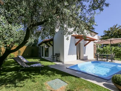 Photo for Beautiful exclusive house 50 meters from the lake