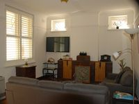 Great little St Kilda flat, so central to everything! Walk or tram everywhere.