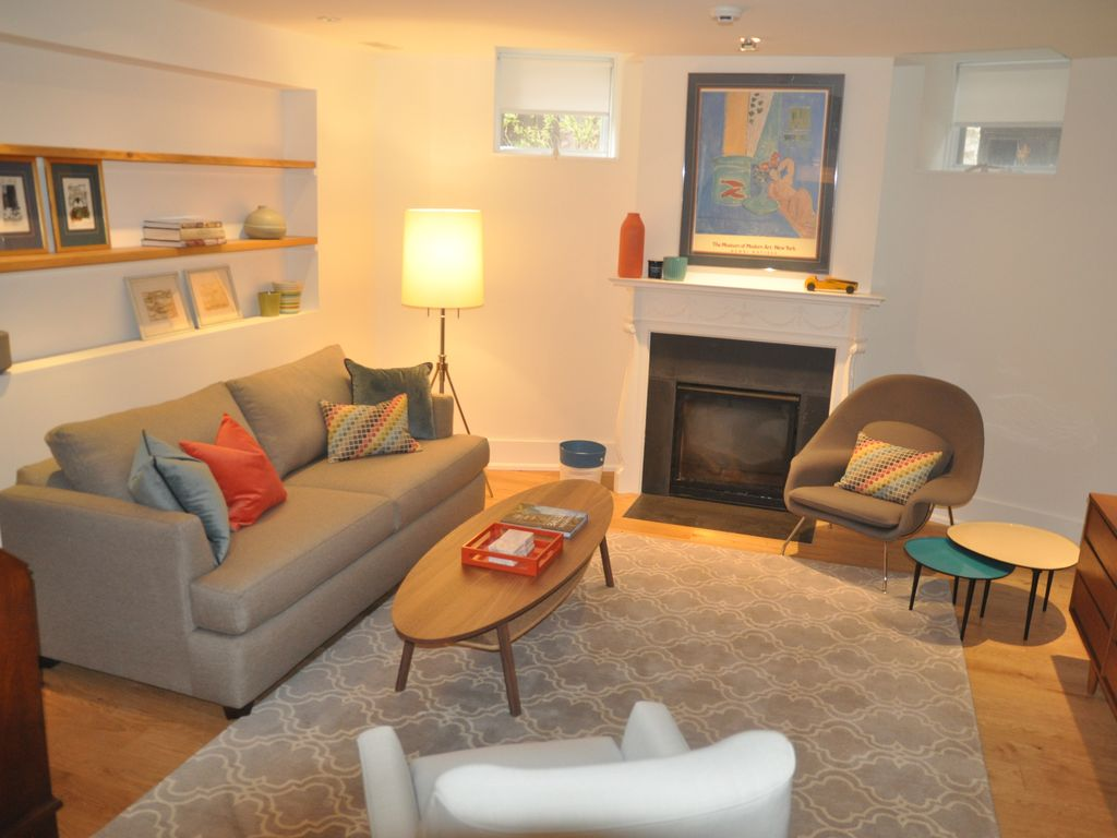 Perfect location, beautiful two bedroom apartment Little Italy/Annex