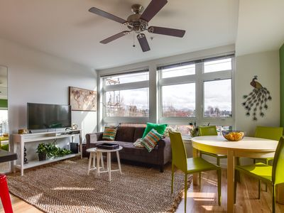 Photo for Global chic Green Lake waterfront condo w/rooftop community terrace - dogs OK!