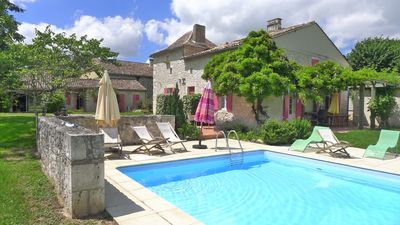 Photo for 4BR Farmhouse Vacation Rental in Eymet, Nouvelle-Aquitaine