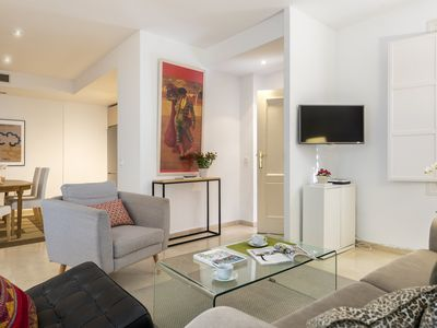 Photo for Cozy and centrally located 1 BD apartment. Conde de Ibarra