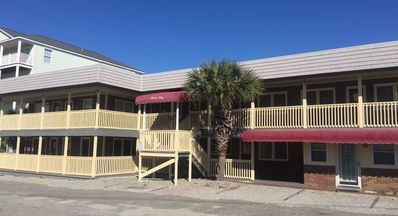 Photo for Great locaton. Cozy  Condo, sleeps 4 and only steps from the beach