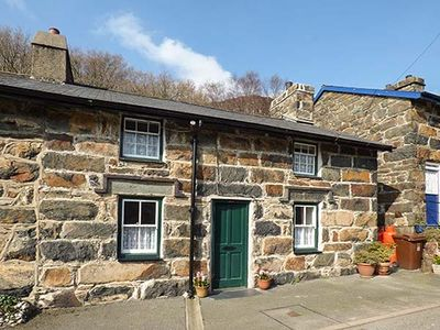 Photo for PEN Y BONT, family friendly, with open fire in Beddgelert, Ref 922358