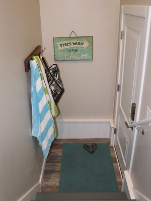 Photo for Beachy Modern Apt Close to Downtown