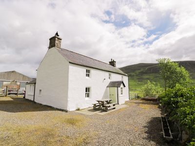 Photo for Presnerb Farmhouse, ALYTH