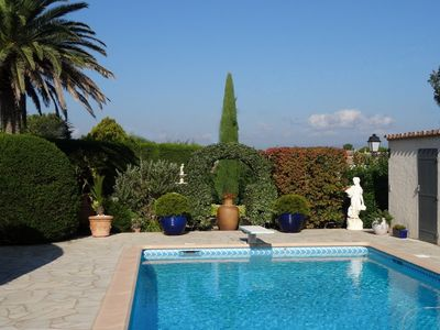 Photo for Magnificent Villa on one floor, heated pool, air conditioning, bowling