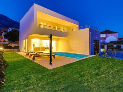 Photo for Luxury villa with private heated poll!