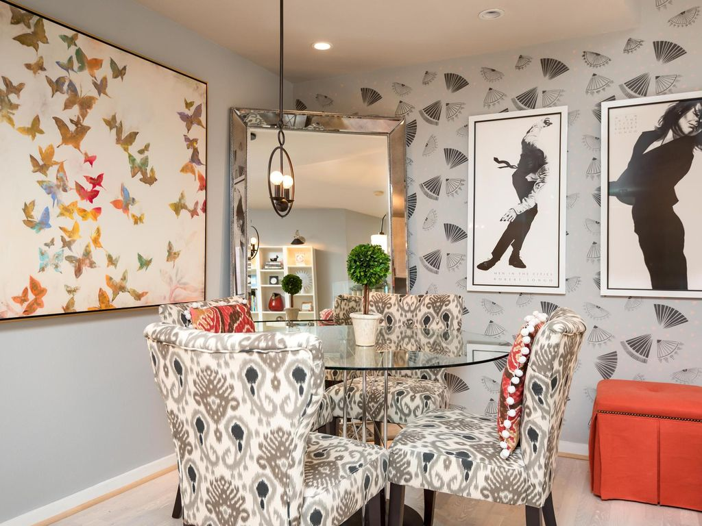 A Pearl on the Park: Chic, Center-of-Everything Condo in the Pearl District