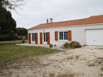 Photo for House completely renovated in 2014 in a quiet impasse (1100 m2 land)