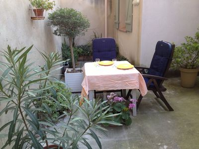 Photo for Apartment in Center of Avignon, quiet with terrace