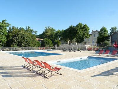 Photo for Nice apartment for 8 people with WIFI, pool, TV and parking