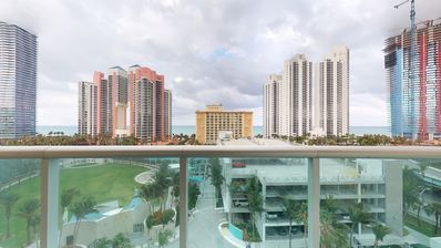 Photo for Lovely 1 Bedroom Condo with Ocean View  in Sunny Isles!