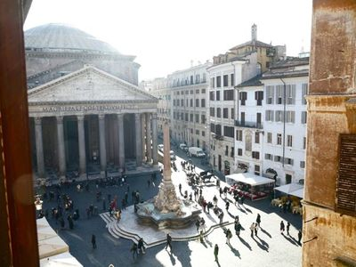 Photo for Furnished with great care, this home offers a spectacular view of the Pantheon, free wi-fi