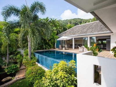 Photo for Luxury private two bed villa with large private infinity pool in Koh Samui