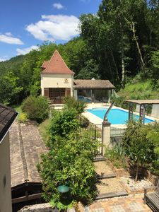 Photo for Charming pigeonnier with private pool and great views