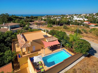Photo for Magnificent villa with private pool, walking distance to the beach.