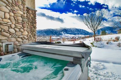 Relax in your own PRIVATE Hot Tub....BRAND NEW, Top of the line Bullfrog!
